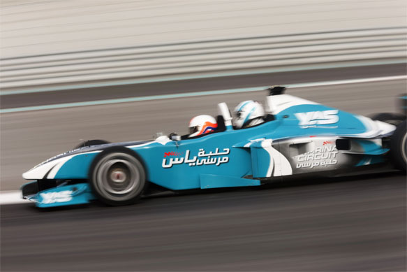 Martin Brundle and Johnny Noble acquaint themselves with the Yas Marina circuit